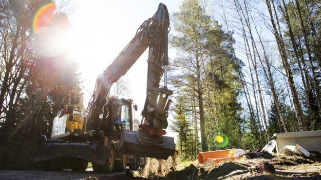lera mindre vägar i Lökom och Klovsta byggs om för ökad trafiksäkerhet.
