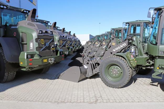 Maskinanskaffningen som ramavtalet handlar om syftar i första hand till att fylla behov inom logistik och materialhantering för Försvarsmakten och FMV, men även fälthållning för flygvapnet.