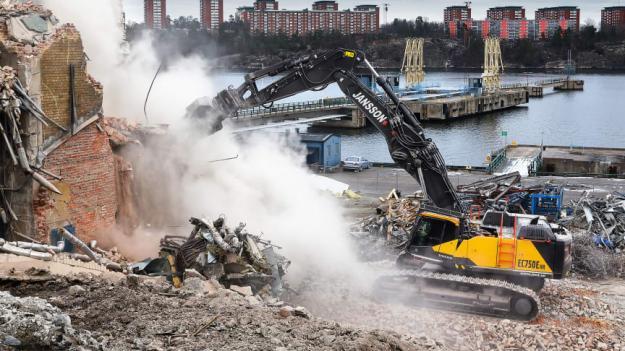 Jansson Entreprenad i Linköping bestämde sig för att köpa rivningsmaskinen Volvo EC750E High Reach efter ett besök i Boston hösten 2019 och den stora mässan World Demolition Summit.