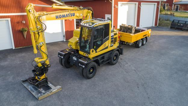 Hjulgrävare, Randex-kärra, skopor och redskap ingår i Niklas Zetterlunds utrustning.