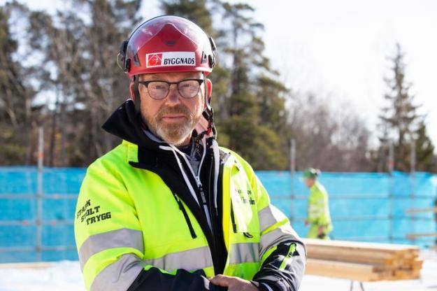 Johan Lindholm, Byggnads förbundsordförande.