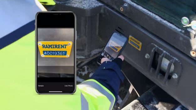 Med appen RamiCheck går det enkelt att få tillgång till besiktningsdokument och CE- och miljödokumentation kring Ramirents produkter.