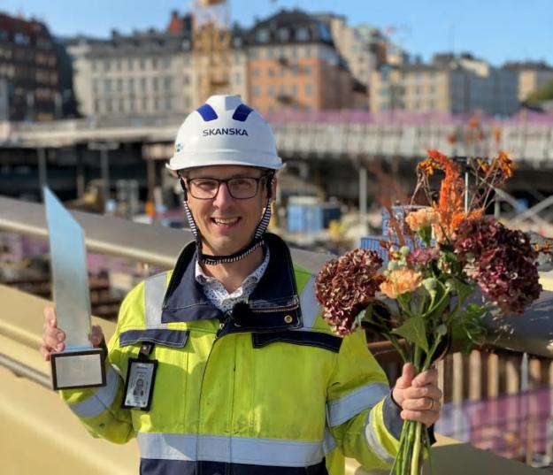 Markus Glaas, mottog Silverbalken ute på Slussbron inför Stålbyggnadsdagen 2020.